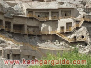 kizil buddha caves