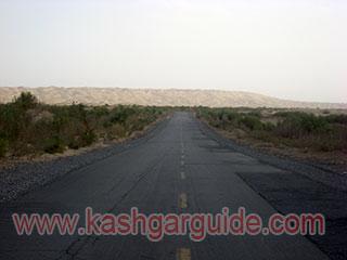 taklamakan desert highway